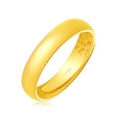 周大福简约光身足金黄金戒指