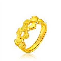周大福堆砌心形足金黄金戒指